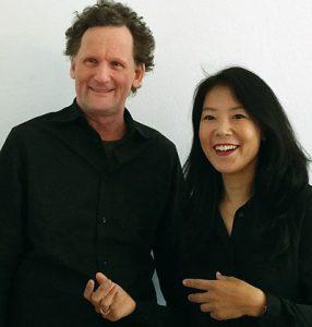 Das Foto zeigt Wolfgang Zybell und Eunhye Bading.
